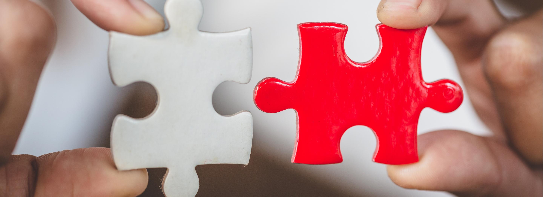 photo de pièces de puzzle rouges et blanches